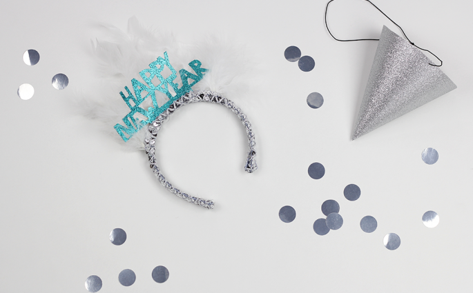DIY: Happy New Year Photo Booth | we love handmade