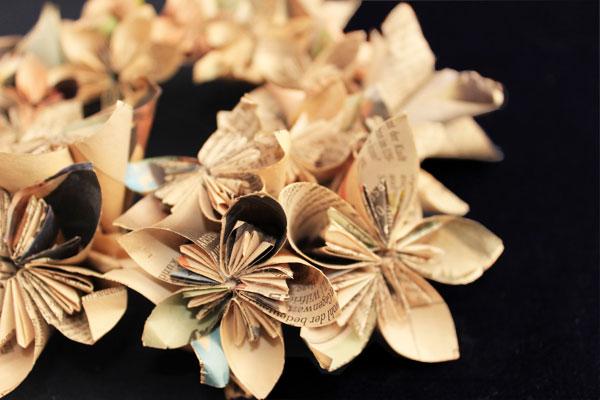Faltblumen Kranz Detail