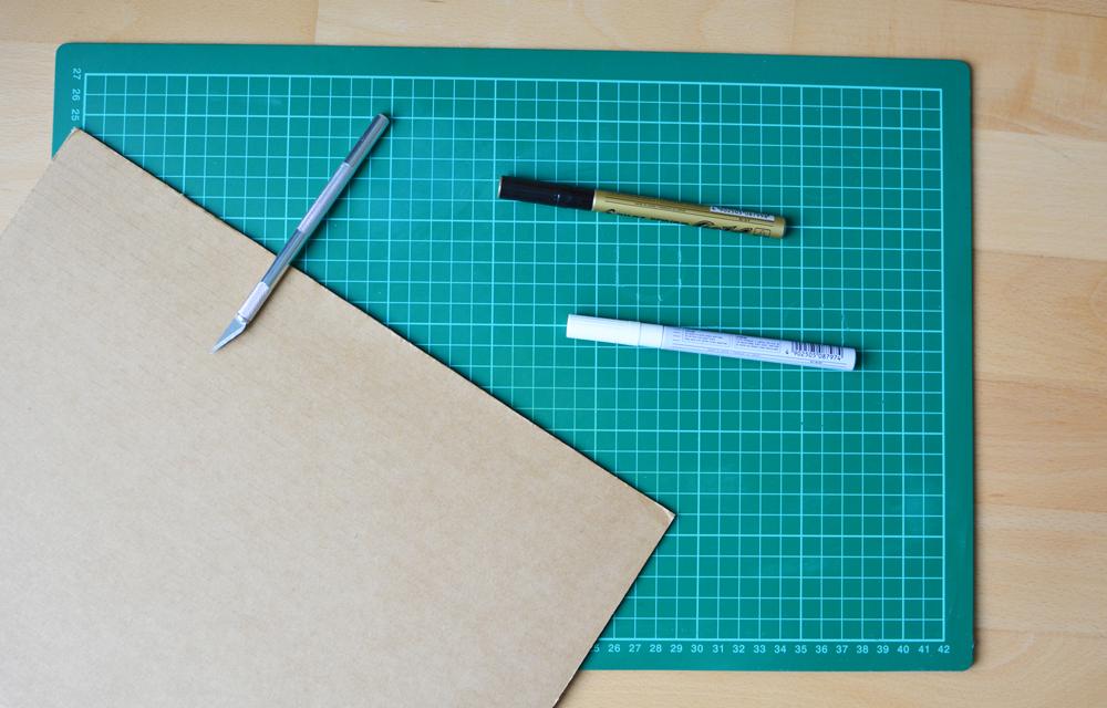 DIY Lebkuchenhaus aus Karton | we love handmade