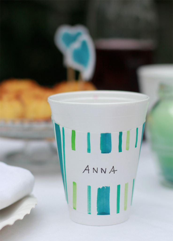 DIY: Pappbecher mit nametag| we love handmade