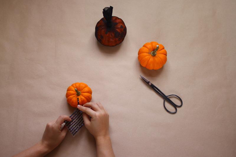schwarze steine | kuerbis | we love handmade