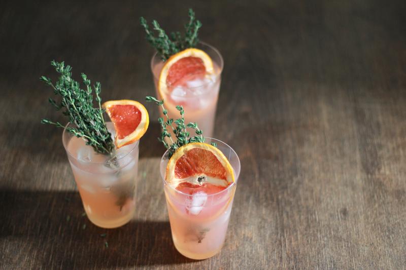 Pink Flamingo: Auf we love handmade findet ihr das Rezept für diesen sommerlichen Gin-Cocktail