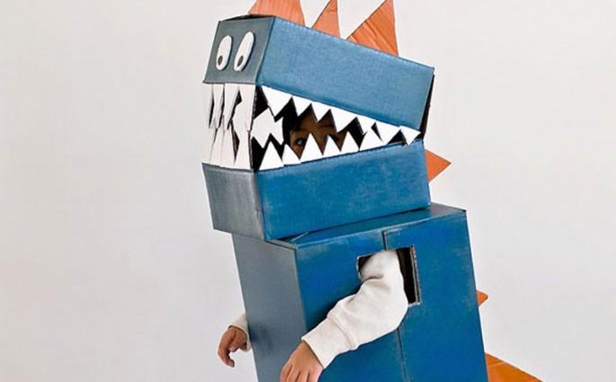 2-diy-cardboard-dinosaur-costume