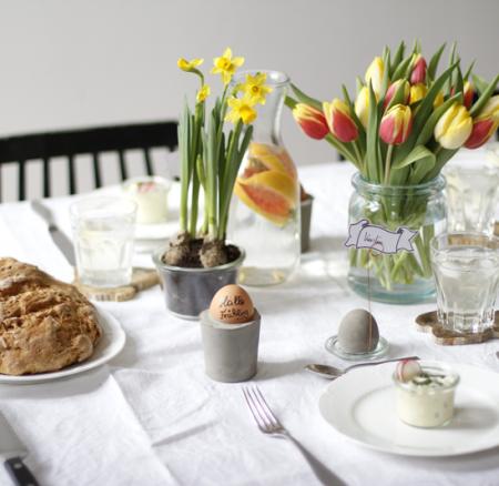 Osterbrunch: Karottenbrot mit Ei-Aufstrich und Häschen-Cupcakes