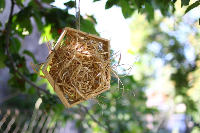 insektenhotel mit Bast |we love handmade
