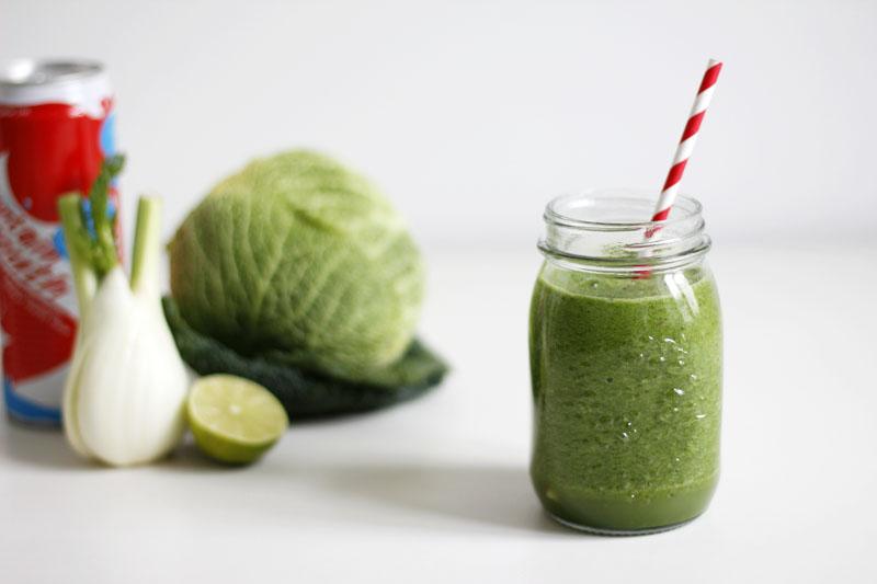 Rezept: Green Smoothie - Grünkohl, Spinat, Limette, Kokoswasser, Apfel und Chilli   we love handmade