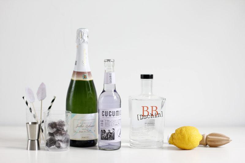 champagner cocktail mit wodka und zitronensaft rezepte. Black Bedroom Furniture Sets. Home Design Ideas