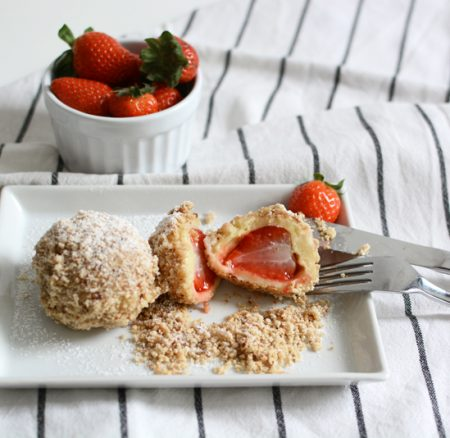 Food: Eat Seasonal – Erdbeerknödel aus Topfenteig