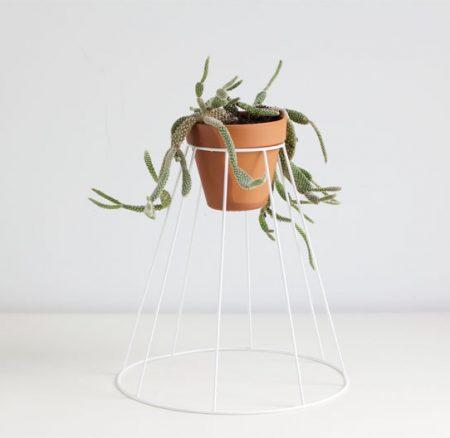 DIY: Blumenständer aus Lampenschirm