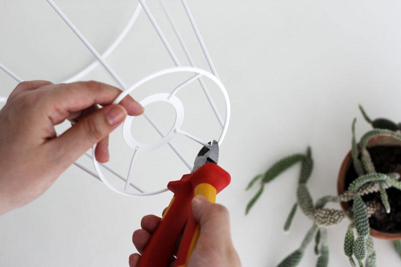 DIY: Blumenständer aus Lampenschirm | h.anna