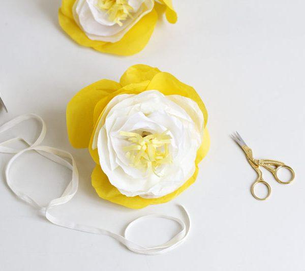 papierblumen zusammenbinden |we love handmade