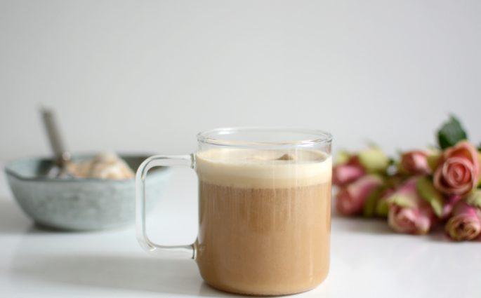 Kaffee mit veganem Vanilleeis | we love handmade