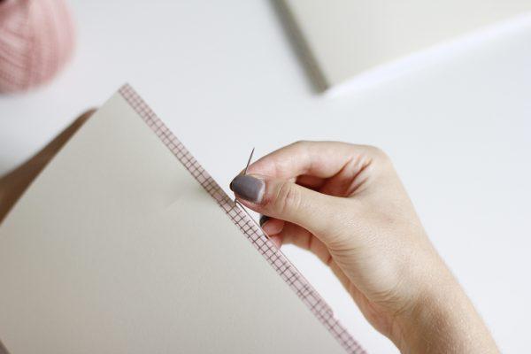 Notizhefte binden: Buchbinden | we love handmade