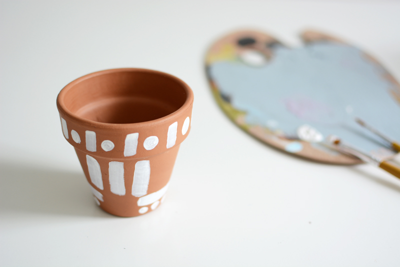 Tontopf mit Aztekenmuster | we love handmade