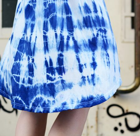 DIY: Kleid mit Shibori-Technik färben