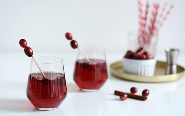 Cranberry-Vodka-Cocktail | we love handmade