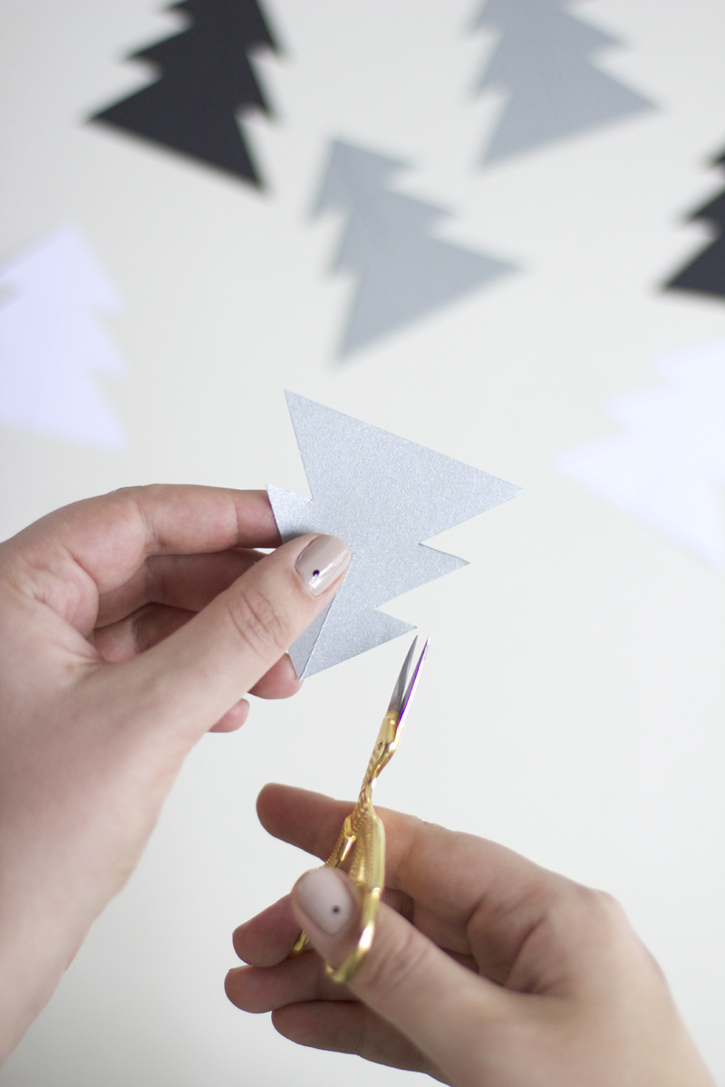 Papierchristbaum-Mobile | we love handmade