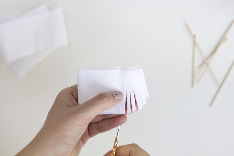 Krepppapier einschneiden | we love handmade