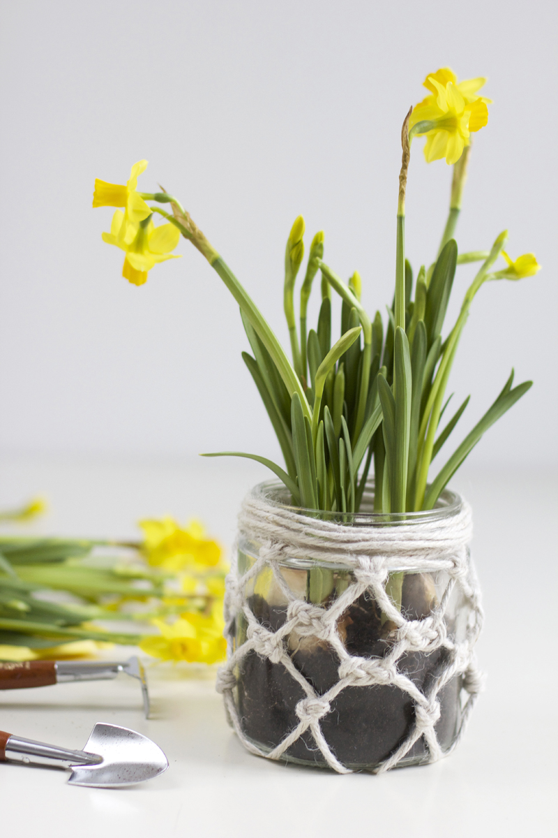 DIY Makramee Vase | we love handmade