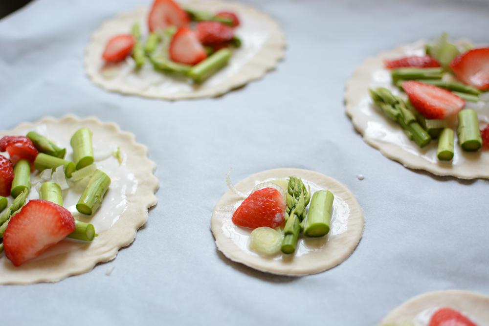 Erdbeer-Spargel-Tartes | we love handmade