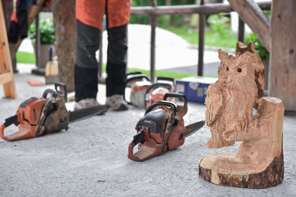 Eulen schnitzen beim CraftCamp 2017 | we love handmade