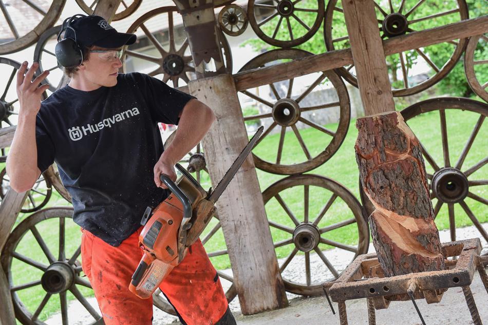 Motorsägenschnitzer beim CraftCamp 2017 |we love handmade