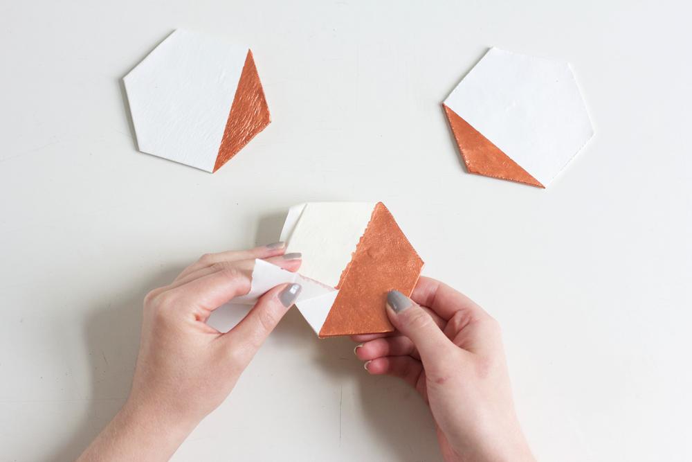Hexagon-Untersetzer selber machen | we love handmade