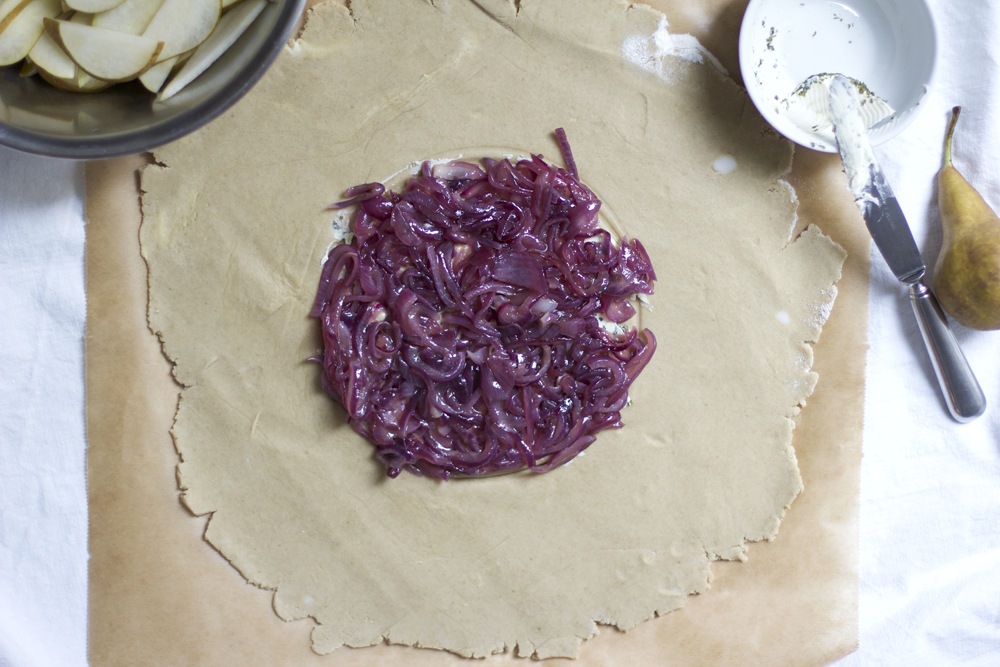 Rezept für glutenfreie pikante Birnen Galette | we love handmade