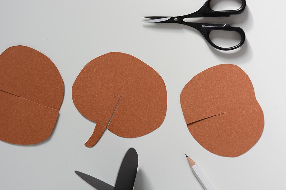 Papier-Kürbis selber machen | we love handmade