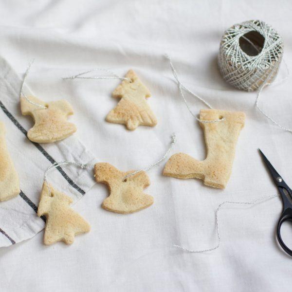 DIY: Salzteiganhänger als Christbaumschmuck | we love handmade