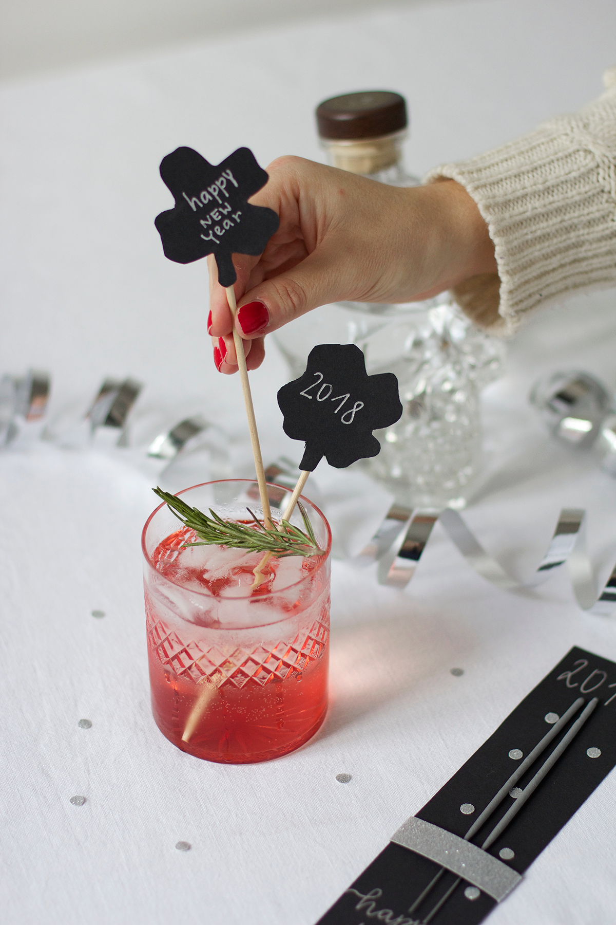Silvester-Cocktailstäbchen  DIY | we love handmade