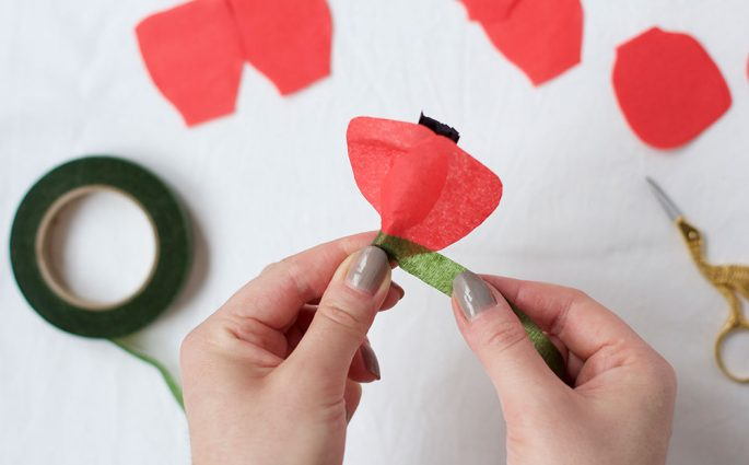 DIY: Mohn-Papierblumen | we love handmade