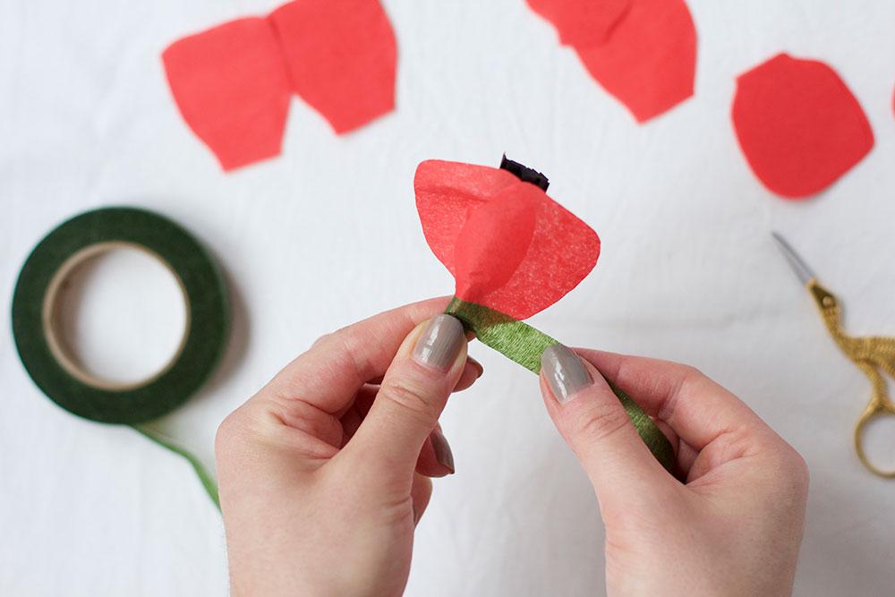 DIY: Mohn-Papierblumen | we love handmade