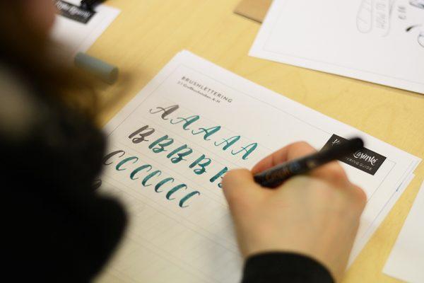 Brush Lettering Workshop mit Kristin | we love handmade