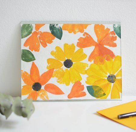 DIY: Poster mit Blumen-Stempel aus Moosgummi