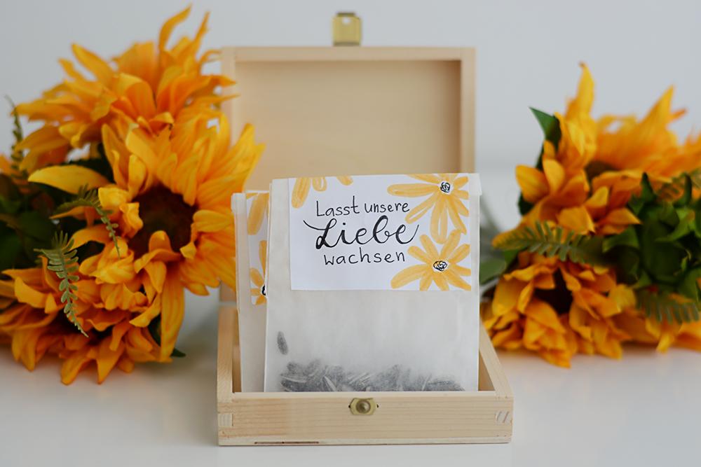 diy sonnenblumen t ten als gastgeschenk we love handmade. Black Bedroom Furniture Sets. Home Design Ideas