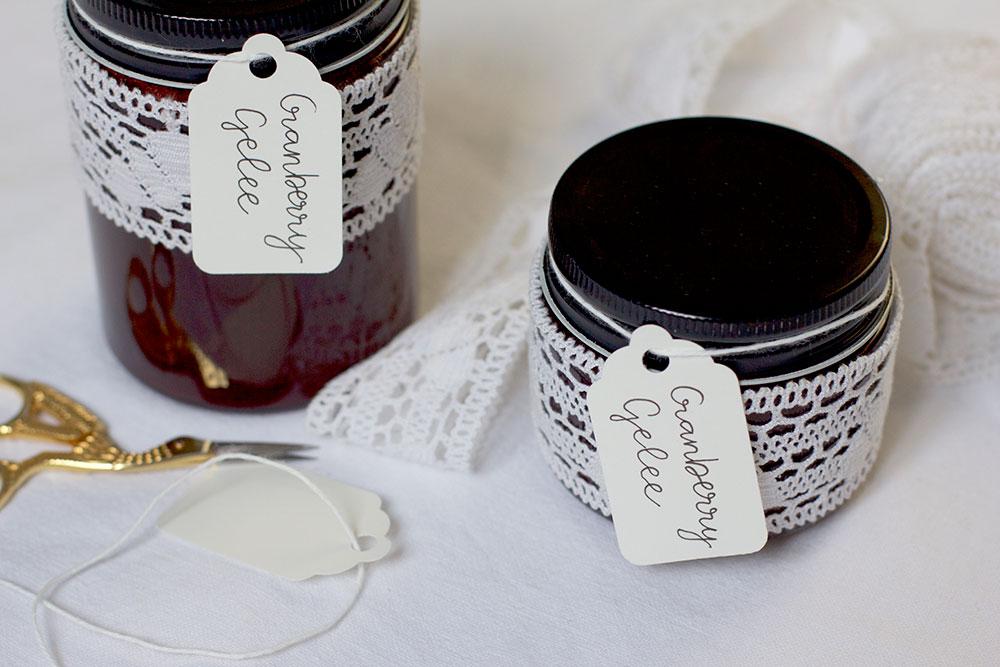 DIY: Eingekochtes als Geschenk verpacken | we love handmade