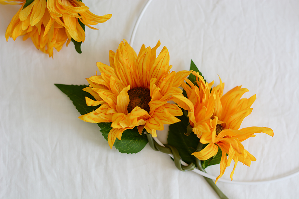 DIY: Blumenkranz für Hochzeit | we love handmade