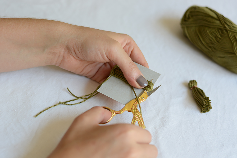 Tassel-DIY | we love handmade