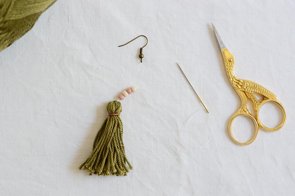 Tassel-Ohrring DIY | we love handmade