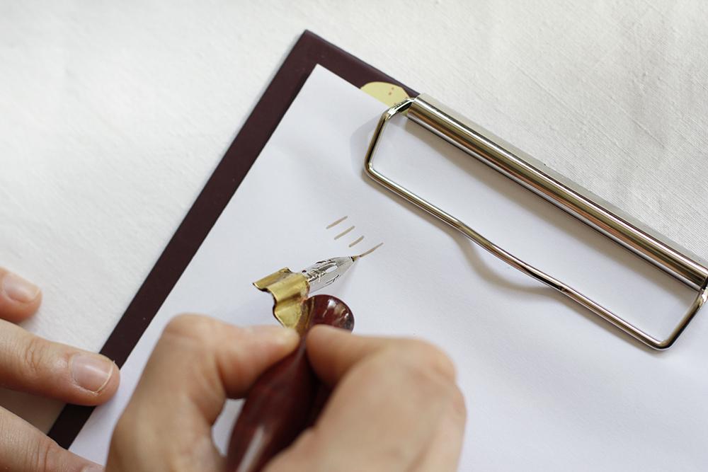 DIY: Walnusstinte - Schreibtest | we love handmade