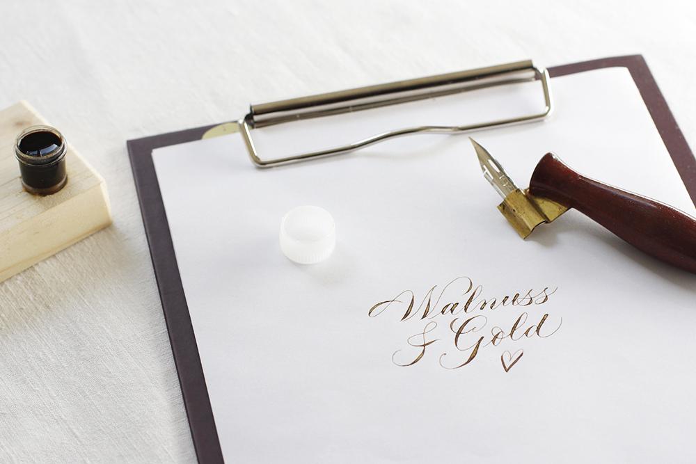 Walnusstinte mit Goldpigment | we love handmade
