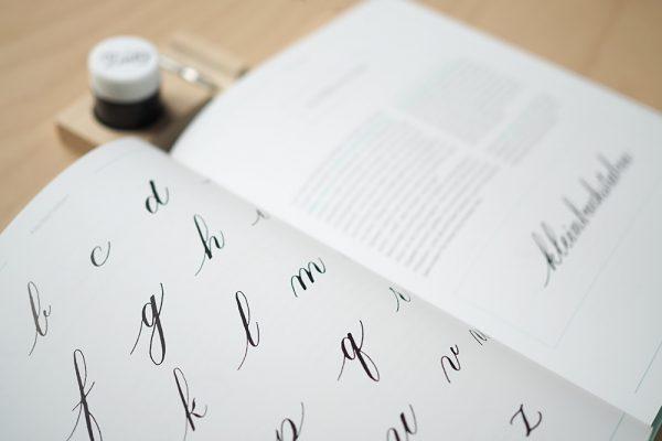 Buch: Moderne Kalligraphie von Natascha Safarik |we love handmade