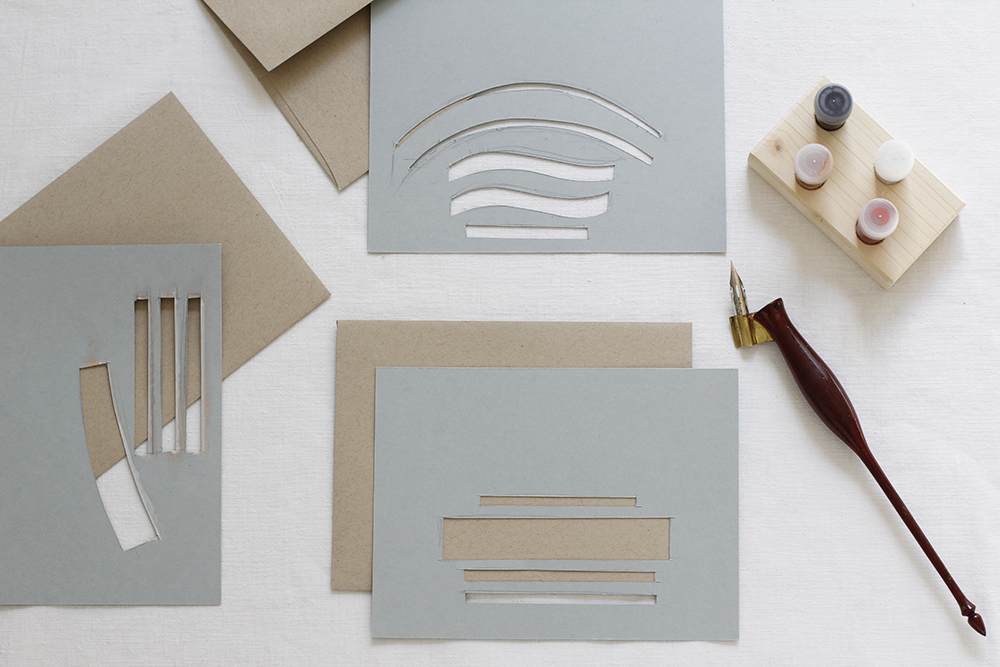 Kalligraphie-DIY: Kuverts gestalten - Vorlagen | we love handmade