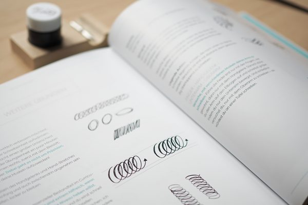 Moderne Kalligrafie von A bis Z von Natascha Safarik |we love handmade