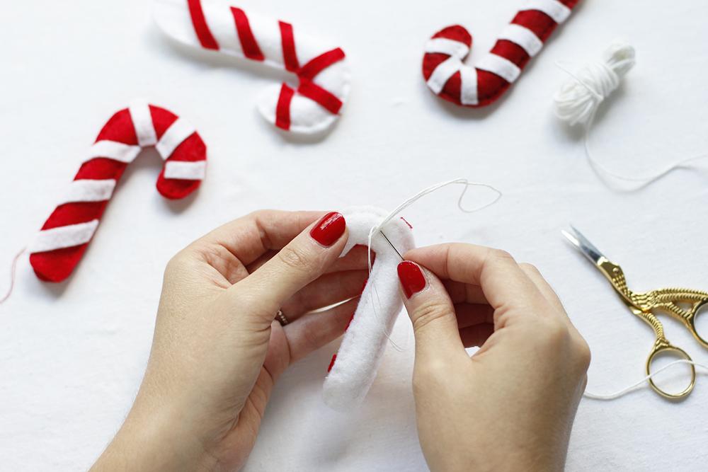 Zuckerstangen-Anhänger nähen | we love handmade
