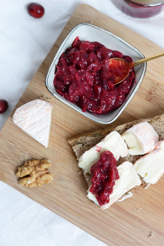 Cranberry-Zwiebel-Chutney: Käseplatte | we love handmade