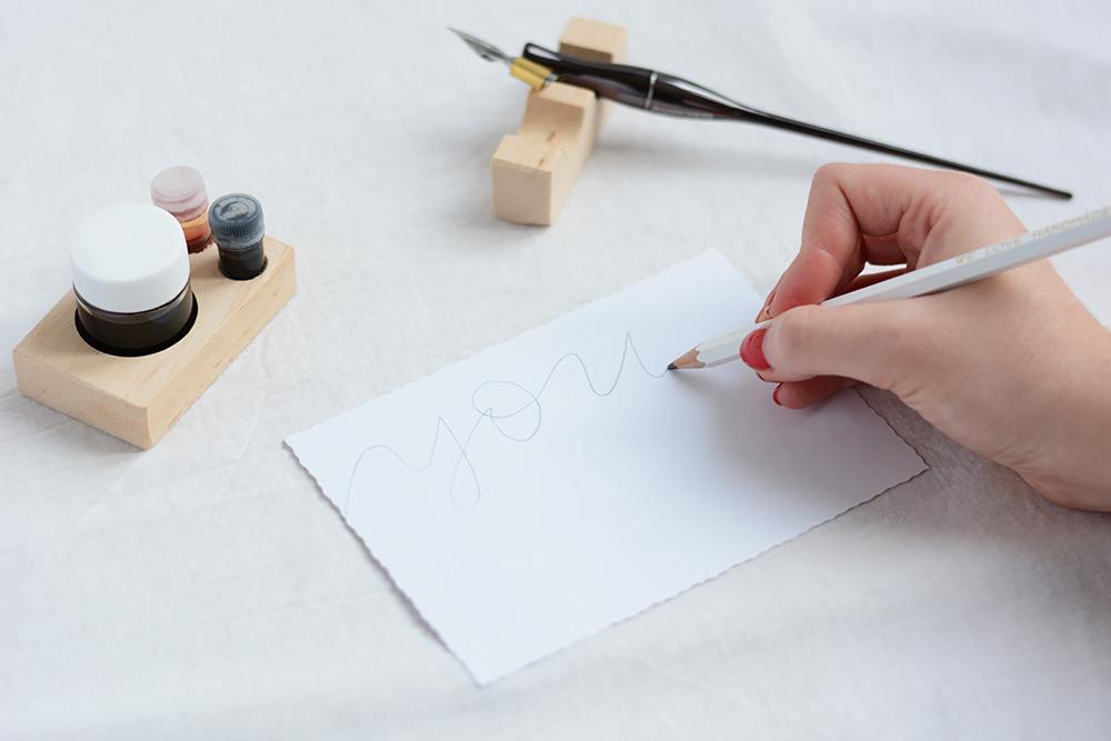 Kalligraphie: Valentinstagskarten DIY | we love handmade