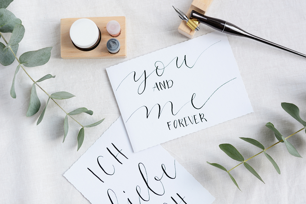Kalligraphie: Valentinstagskarten Freebie | we love handmade