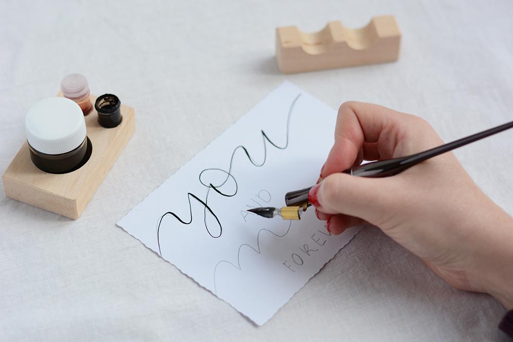 Kalligraphie Valentinstagskarten schreiben | we love handmade